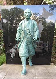 伊能忠敬の銅像2